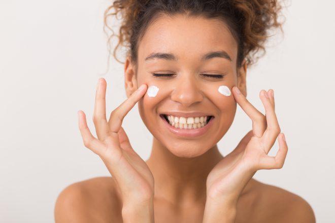 Por qué cuidar la piel con protector solar