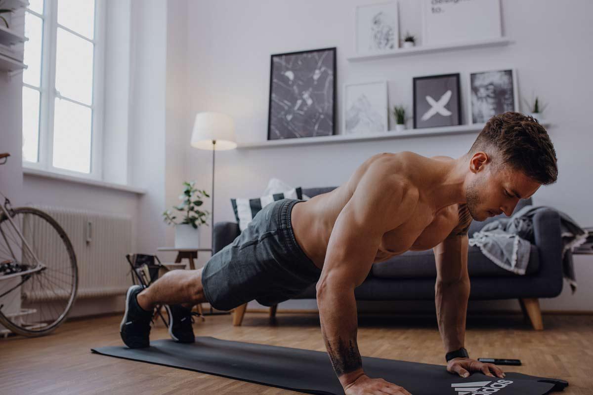 Hacer deporte en casa: Materiales y ejercicios
